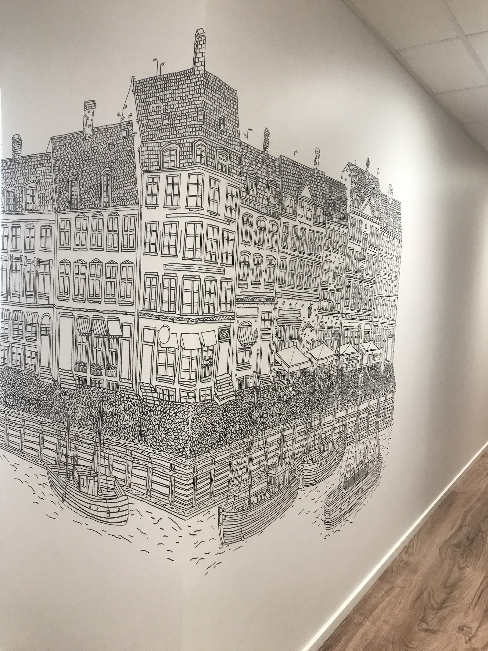 Mural at a dental clinic in Herlev by Daniel van der Noon