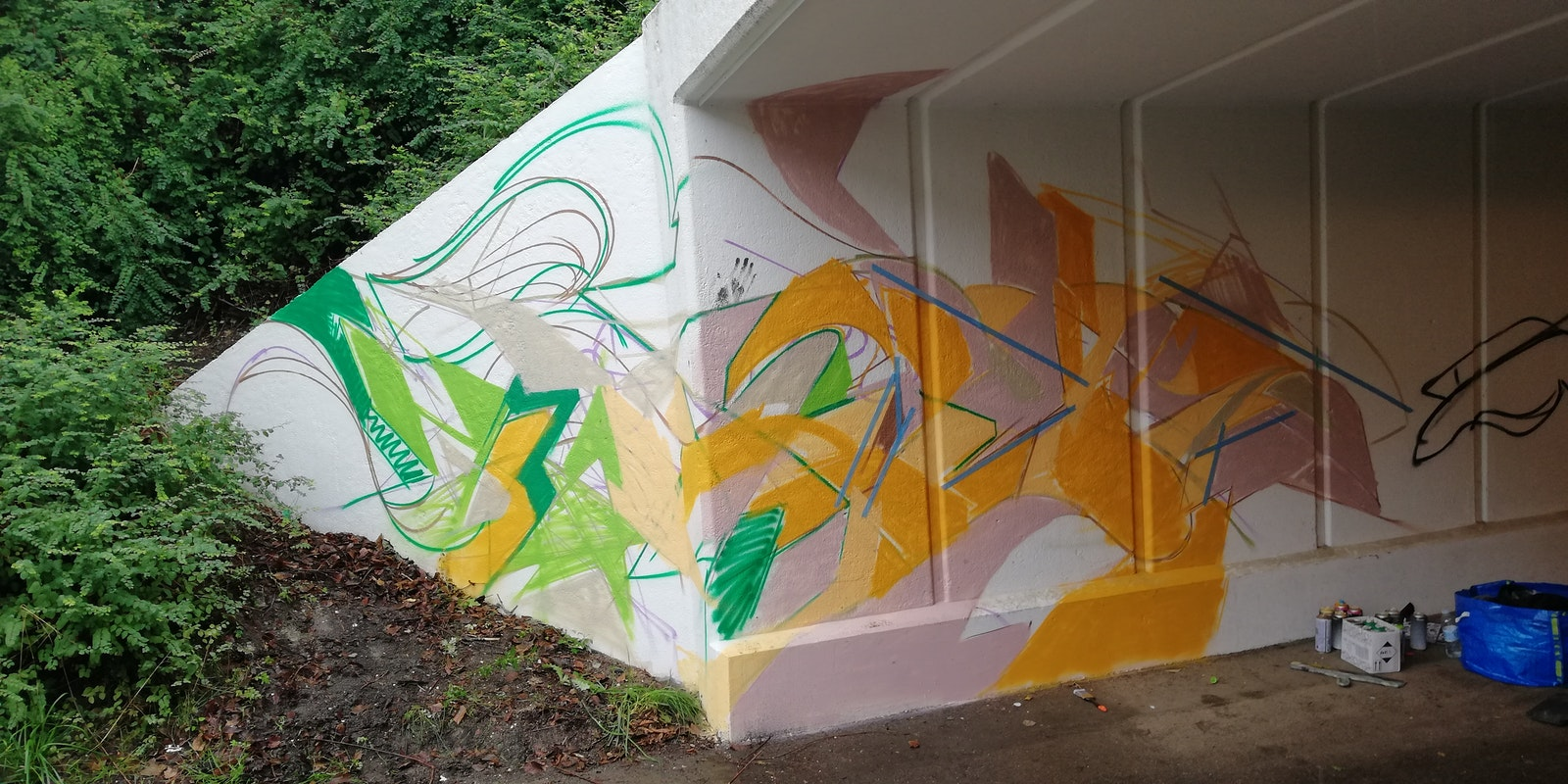 Mural by Mads Sonne Bremholm in a tunnel in Greve, created as part of Good Vibes Jam 2018